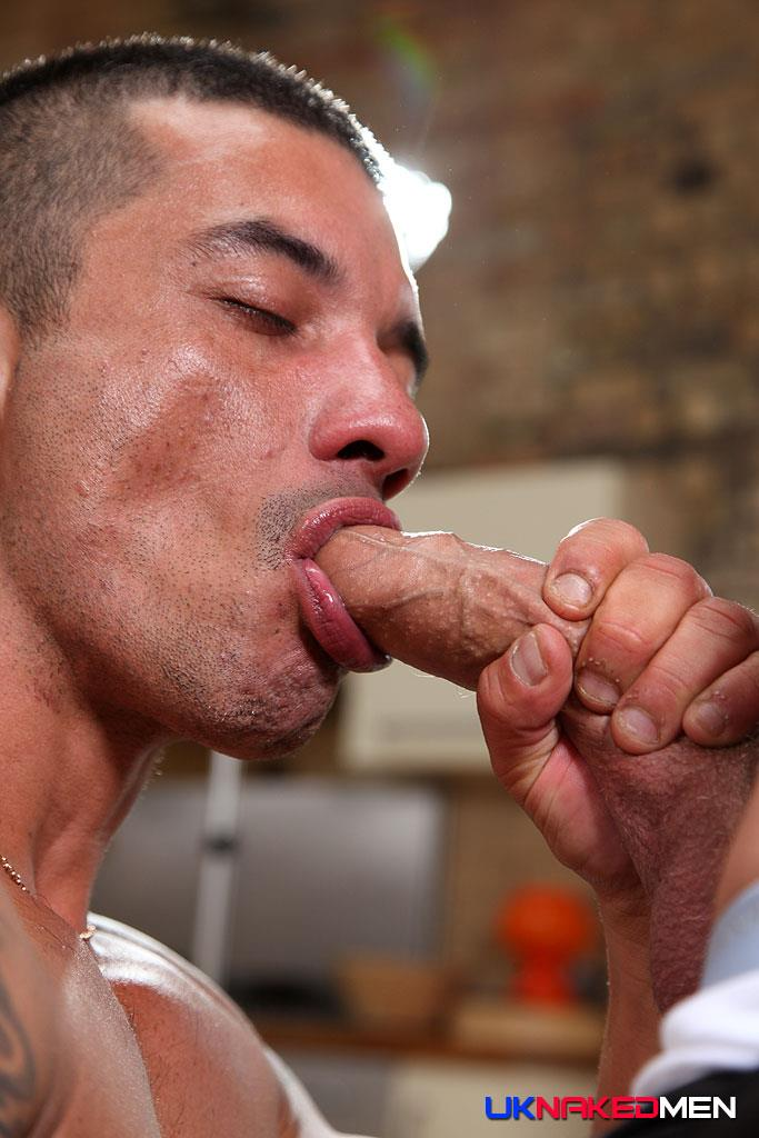 UK-Naked-Men-Gio-Cruz-and-Mark-Coxx-Big-Muscle-Uncut-Cock-Guys-Fucking-Amateur-Gay-Porn-05 Muscle Daddy Fucks an Amateur Younger Guy With A Huge Uncut Cock