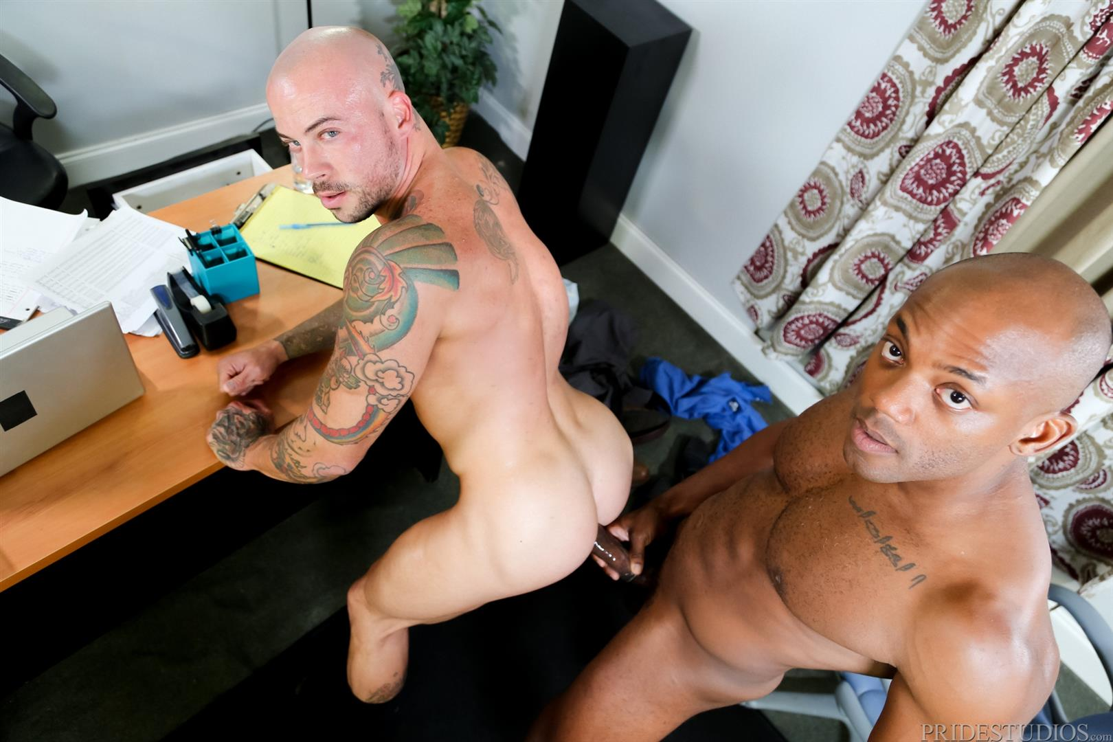 Sean-Duran-and-Osiris-Blade-Extra-Big-Dicks-Black-Cock-Interracial-Amateur-Gay-Porn-14 White Muscle Hunk Takes A Big Black Cock Up The Ass During A Job Interview