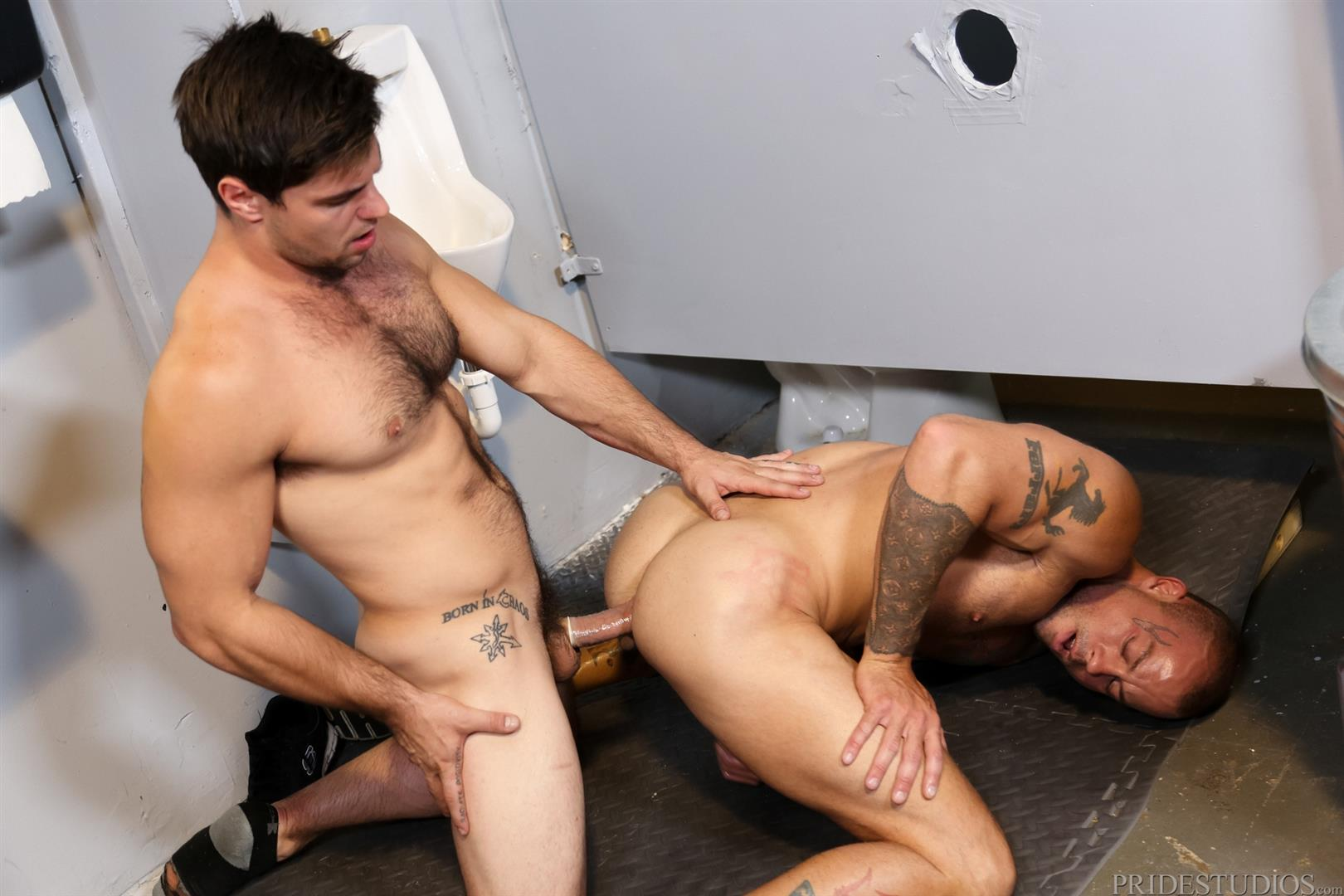Extra Big Dicks Sean Duran Fucking Through A Glory Hole Amateur Gay Porn 13 Getting Fucked By A Big Fat Cock Through a Glory Hole