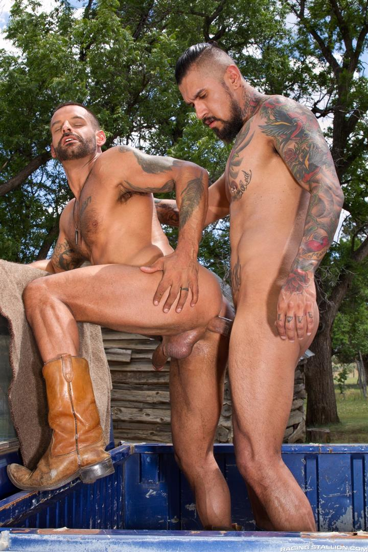 Raging Stallion Boomer Banks and David Benjamin Big Uncut Cock Fucking Amateur Gay Porn 11 Boomer Banks Fucking In The Back Of A Pickup With His Big Uncut Cock